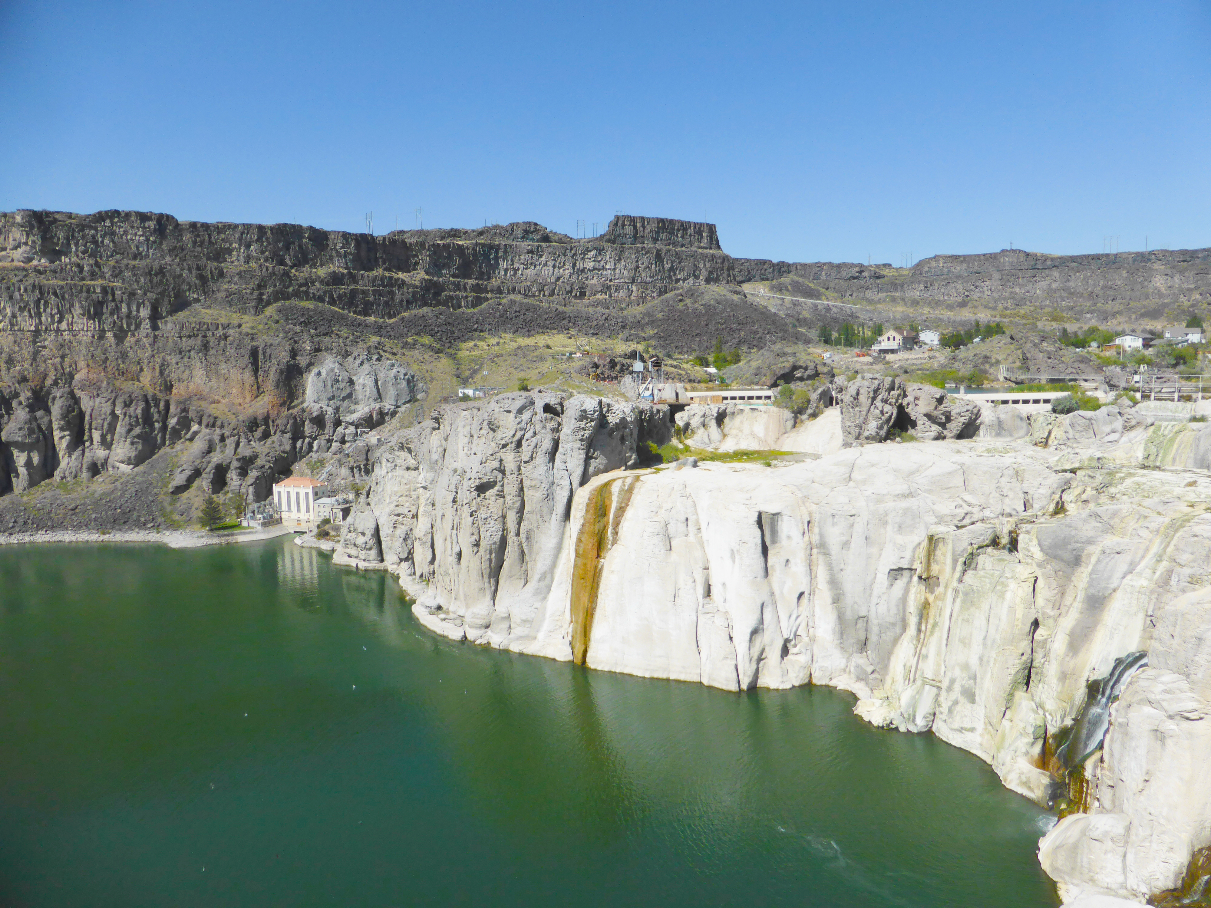 Shoshone Falls without water